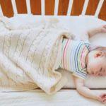 Culla per co-sleeping: perché le mamme scelgono di dormire accanto al piccolo