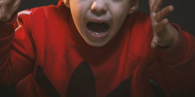 Come gestire la frustrazione di tuo figlio quando è un bimbo con autismo
