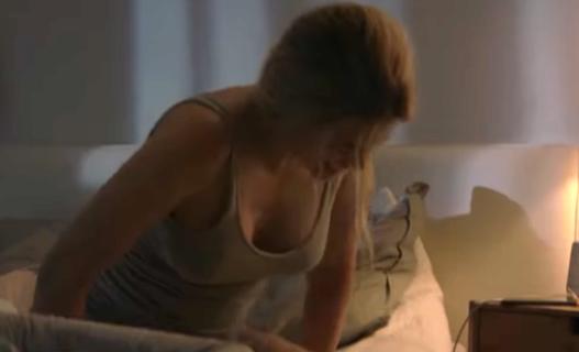 Lo spot censurato sul post-partum che tutti dovrebbero vedere