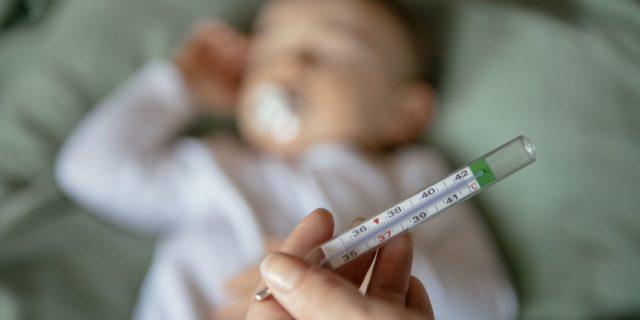 Termometro per il neonato: quale scegliere tra le varie tipologie