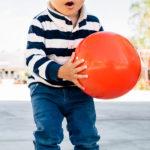 Come il gioco può aiutare l'attenzione di mio figlio, un bimbo con autismo