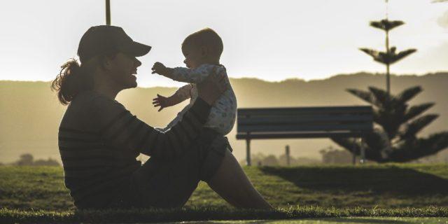 Mamma tigre o mamma chioccia: due modelli a confronto (e alternative)