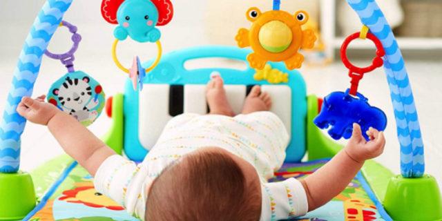 La palestrina per neonati: sviluppare i sensi e il movimento divertendosi