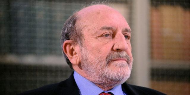 """""""Li abbiamo privati del desiderio"""": Umberto Galimberti e l'educazione dei bambini"""