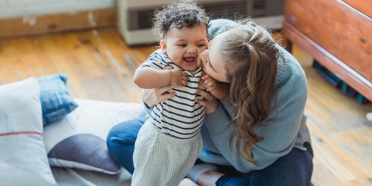 mamma e bambino teoria dell'attaccamento