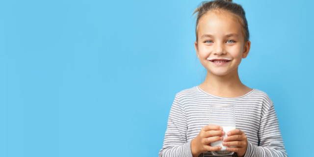 I bambini e il latte, storia di un amore nato tra i banchi di scuola