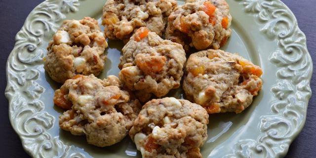 Biscotti morbidi alle mandorle e albicocche