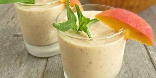 Smoothies con frutta e yogurt