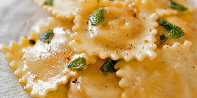 Tortelli, la ricetta del Natale italiano