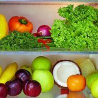 10 frutti o verdure che pensavi si potessero tenere in frigo e invece no
