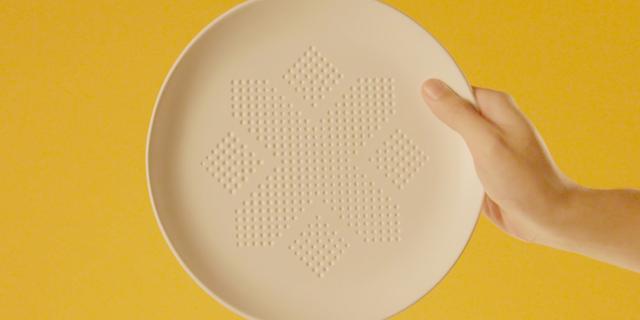 Questo Piatto Magico Dimezza le Calorie dei Vostri Pasti. Ecco come funziona