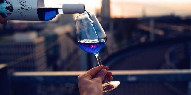 Il Vino Diventa Blu