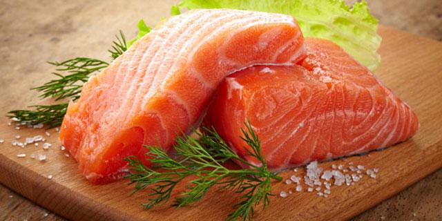 cibi-e-cambiamento-climatico-salmone