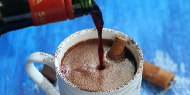 "Red wine hot chocolate, avete già provato la cioccolata calda ""ubriaca""?"