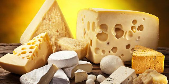 Ecco perché chi mangia formaggio, secondo questa ricerca, vive di più