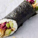 Ora puoi mangiare il sushi burrito da Starbucks