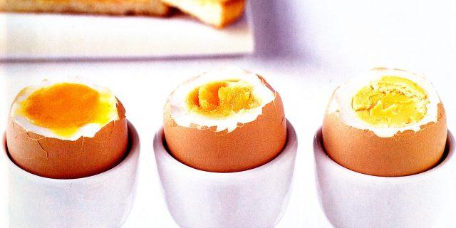 Dimmi come mangi le uova e ti dirò chi sei