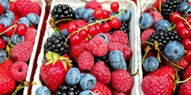 Frutti rossi: le ricette che fanno bene al nostro essere femmine