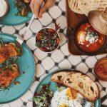 Come scegliere un servizio di piatti moderni