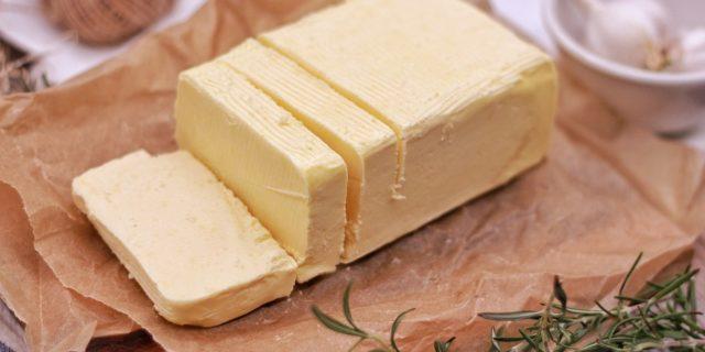 Burro anidro: una possibile soluzione per gli intolleranti al lattosio?