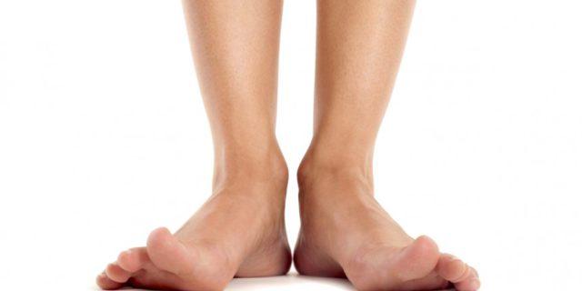 esercizi-per-i-piedi-e-la-fascia-plantare-002-862x485