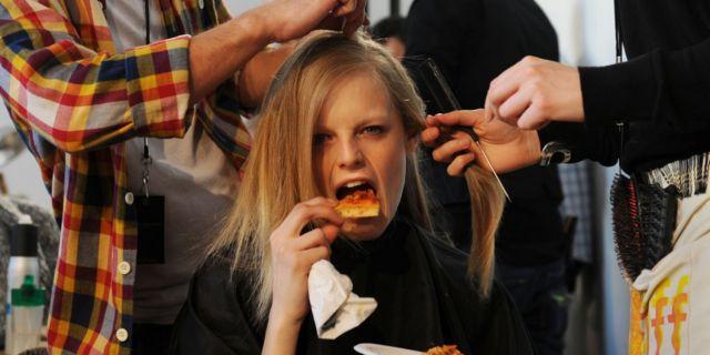 10 Segreti di Chi Non Ingrassa Anche Senza Dieta