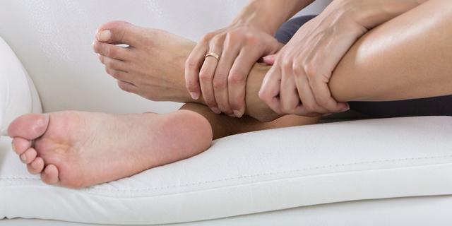 geloni ai piedi sintomi