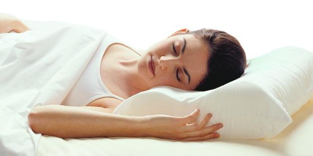 Cuscino per la cervicale massaggiante e riscaldante