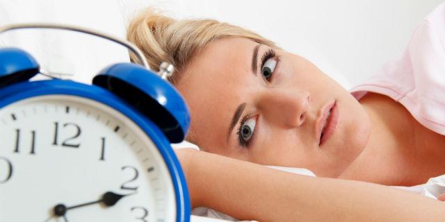 cose che influenzano il ciclo mancanza di sonno