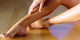 Caviglie gonfie: cause e rimedi per alleviare la pesantezza