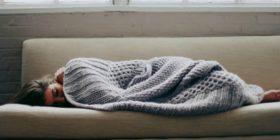 Vi capita di avere sempre sonno? Ecco quali possono essere le cause