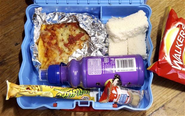 """""""Vostro figlio è sovrappeso e va messo a dieta"""": la scuola scrive ai genitori"""