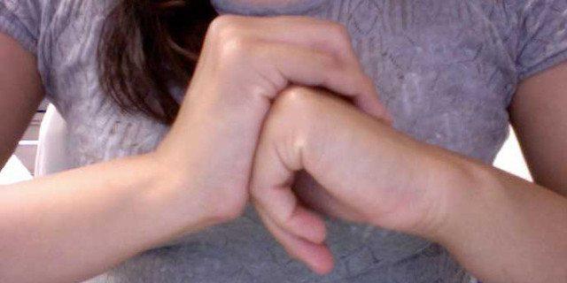 Scrocchiarsi le dita