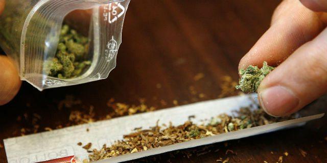 """Perché fumare cannabis, hashish o marijuana fa venire la """"fame chimica"""""""