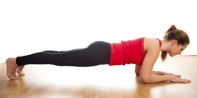 Plank, 3 tipi di esercizi: il modo più efficace per scolpire il corpo