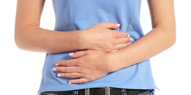 Bruciore di stomaco: cause e rimedi per contrastarlo (anche in gravidanza)
