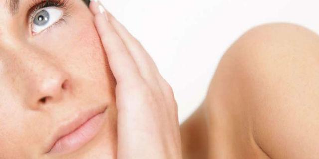 """Non è solo """"ansia"""", ecco come affrontare la dermatite da stress"""