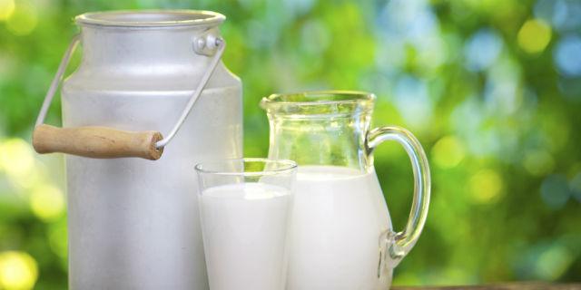 """""""Il latte fa male?"""": tutta la verità sull'alimento della discordia"""