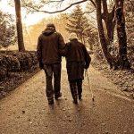 Demenza senile: quando mamma o papà diventano fantasmi fragili e violenti