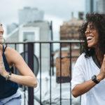 I benefici effetti del Laughter Yoga, lo yoga della risata