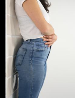 Pareti del bagno da abbracciare contro i dolori mestruali
