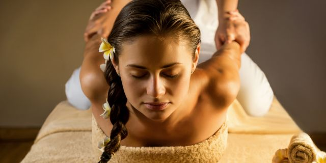 Massaggio thailandese: controindicazioni e benefici