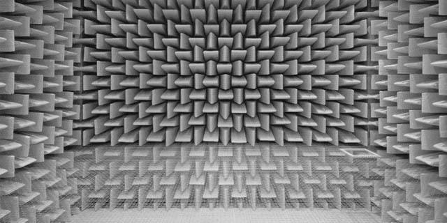 Camera anecoica: il silenzio assordante della stanza che fa impazzire chi ci entra