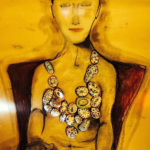 La bellezza e l'arte di Marianne cui interessa la vita, non avere seni nuovi