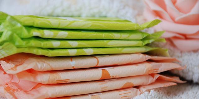 Perché dovresti usare soltanto assorbenti e tamponi in cotone