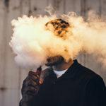 Svapami lontano: gli effetti del nuovo fumo passivo su bambini e non