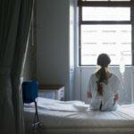 Health gap: perché i medici non credono al dolore delle donne o lo sottovalutano
