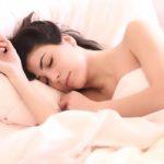 Dormire bene aiuta corpo e mente: benefici e 6 consigli