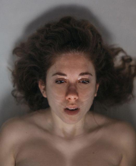 """Il dolore invisibile nelle foto di Claudia: """"Ho dovuto rinunciare presto a una vita normale"""""""