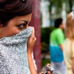 Fantosmia: cosa sono le allucinazioni olfattive che colpiscono di più le donne